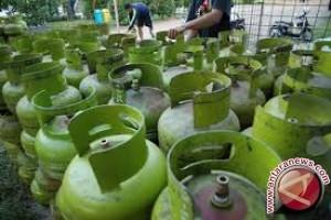 Gubernur Pastika: Dapur Umum Pengungsi Perlu Elpiji