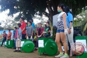 Aqua Edukasi Masyarakat Bongkasa-Badung Pemilahan Sampah (Video)