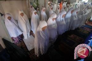 Jamaah Naqsabandiyah Rayakan Idul Fitri Hari Ini