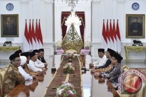 Presiden Jokowi Terima GNPF-MUI di Istana Merdeka