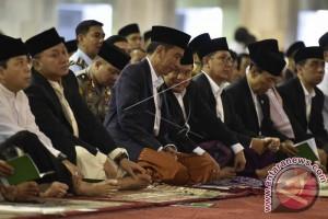 Jusuf Kalla Sholat Idul Fitri di Mesjid Istiqlal