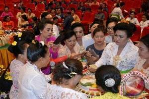 "PKK Bali Dorong Umat Pahami Makna ""Banten"""