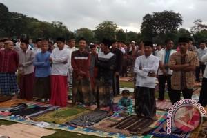 Khatib Samsul : Perkokoh Iman Dan Persatuan Bangsa