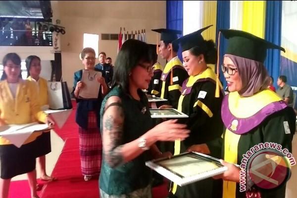 Rektor UT Minta Wisudawan Rawat Kebhinnekaan (video)