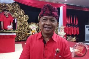 Kandidat Cagub Bali Wayan Koster Serahkan Formulir