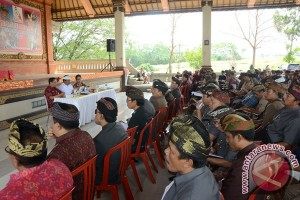 Wagub Bali Ajak Masyarakat Awasi Penggunaan BKK