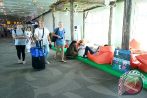 Ada Hiburan ala Musim Panas di Bandara Ngurah Rai