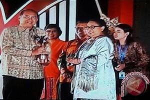 Pemkab Gianyar Terima Penghargaan KLA Tingkat Nindya