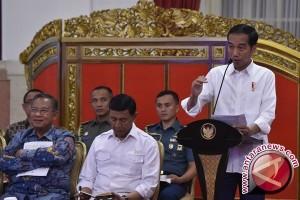 Jokowi Ingatkan Menteri Hati-hati Keluarkan Peraturan Menteri