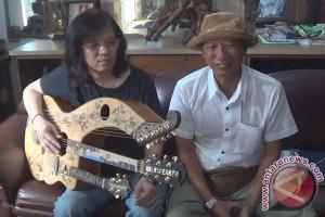 Gitar Ukir Karya Seniman Bali yang Mendunia (Video)