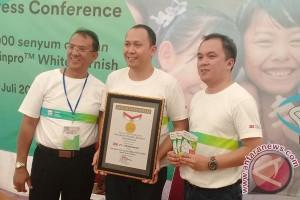 Denpasar Pecahkan Rekor MURI Pemeriksaan Gigi Berlubang