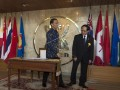 Presiden Joko Widodo (kiri) disambut Sekretaris Jenderal ASEAN Le Luong Minh di Sekretariat ASEAN, Jakarta, Jumat (11/8). Kunjungan Presiden tersebut dalam rangka memperingati 50 tahun ASEAN. ANTARA FOTO/Rosa Panggabean/wdy/17.