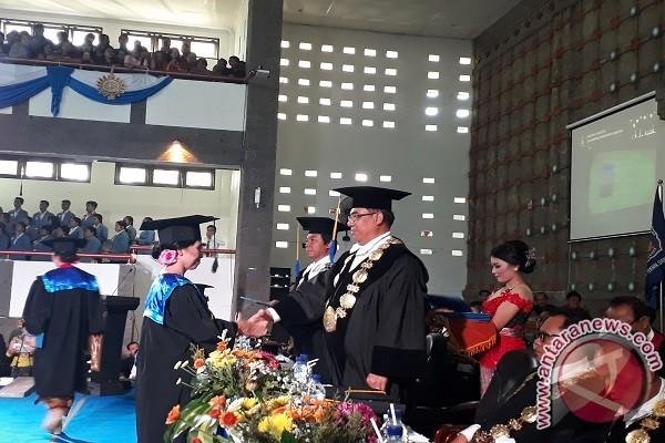 Undiksha Lepas 1.741 Wisudawan, Rektor: Lulusan Kami Punya
