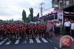 Ribuan Peserta Ikuti Gerak Jalan Santai Gianyar