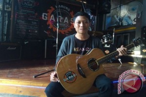 Putra Mahardika Jadikan Musik Band Bali Dikenal Meluas