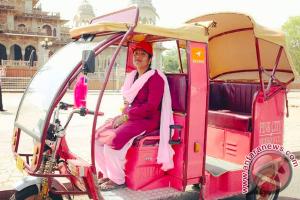 Taksi Pink di India untuk Keselamatan Perempuan Pelancong