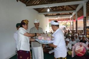 Bupati Badung Gelontorkan Dana Hibah Rp933 Juta
