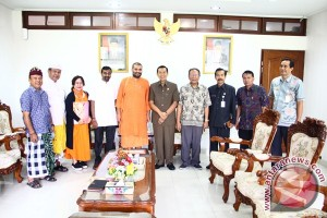 "Pastika Jadi Pembicara ""World Hindu Democracy Forum"""