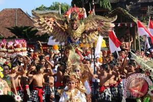Ratusan Siswa Ikut Meriahkan Karnaval di Klungkung