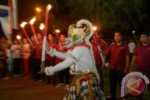 1.500 Siswa Meriahkan Pawai Obor Perayaan HUT Kemerdekaan