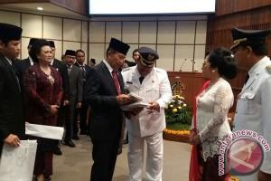 Gubernur Bali Lantik Bupati-Wabup Buleleng (Video)