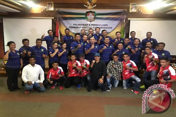 Adi Wiryatama Lantik Pengurus Pertina Denpasar