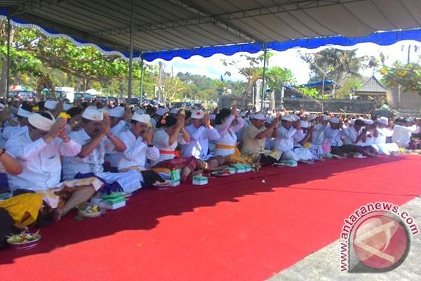 Pemkab Karangasem Sukseskan Ritual Pura Jagat Natha