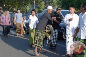 Masjid Taqwa Polda Bali Bagikan 2.000 Bungkus Daging Kurban