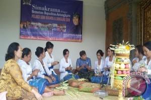 Anggota DPR-RI Supadma Rudana Bertemu Konstituen di Bali
