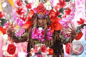 Karnaval Busana Bunga