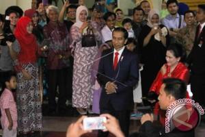 Presiden Menghadiri Resepsi Pernikahan Keponakan di Surabaya