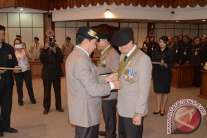 PP Polri Anugerahkan Pastika Penghargaan Bintang Tri Dharma