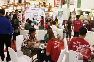 "Bank Mega Dorong Transaksi Nontunai ""Mega Travel Fair"""