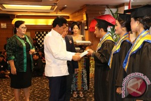 Wagub Sudikerta Inginkan Lulusan SPI Mampu Berwirausaha