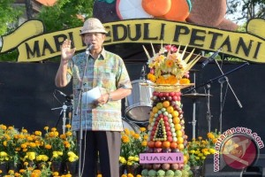 Gubernur Bali Ajak Masyarakat Konsumsi Buah Lokal