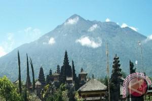 BNPB: Belum Terjadi Hujan Abu Gunung Agung