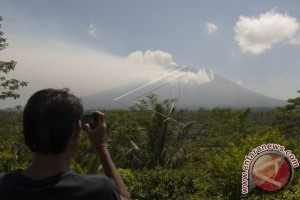 Mt Agung`s Danger Status Raised To Highest Level