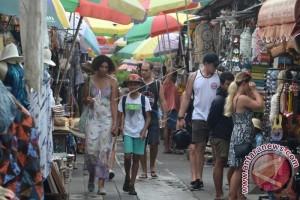 Kunjungan Wisatawan Australia dan Malaysia ke Bali Turun