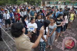 1.915 Anak Pengungsi Gunung Agung Bersekolah di Klungkung