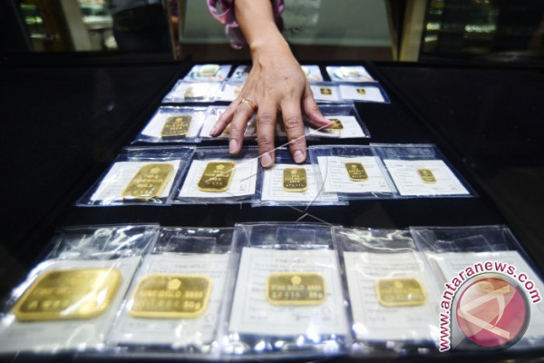 Harga emas berjangka kembali naik