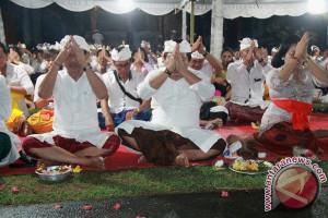 Doa Bersama Pejabat Jembrana Untuk Gunung Agung