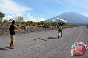 """BNPB Mengerahkan """"Drone"""" Pantau Gunung Agung"""