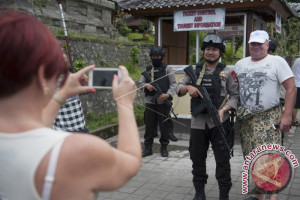 Wisatawan Spanyol Tidak Khawatirkan KRB Gunung Agung