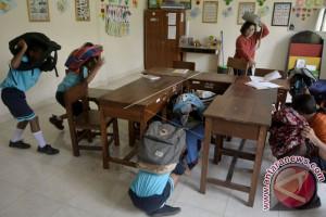 Siswa Berkebutuhan Khusus Bali Dilatih Evakuasi Mandiri