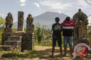 Gunung Agung Gempa 25 Ribu Kali
