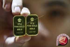 Emas Berjangka Turun Akibat Aksi Jual Besar-Besaran