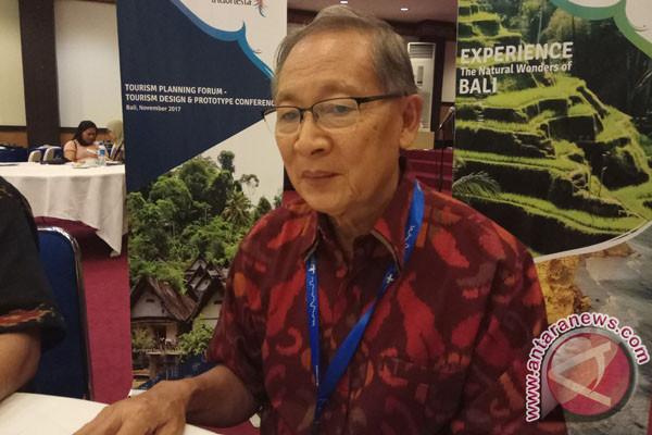 Mantan Menpar Mengharapkan Pariwisata Jaga Kelestarian Lingkungan