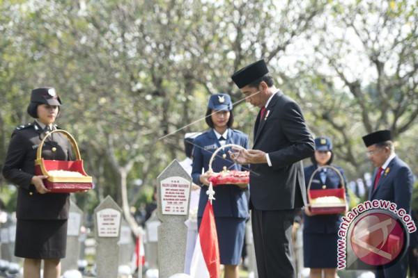 Presiden Tabur Bunga