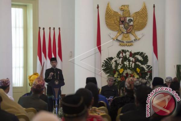 Presiden Audiensi dengan Kepala Suku