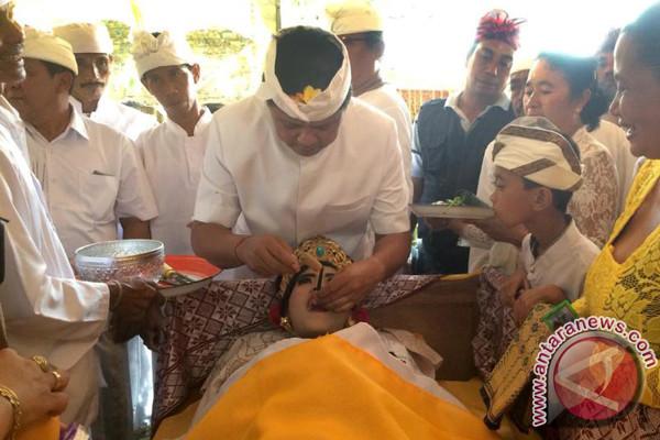 Wagub Sudikerta Hadiri Ritual Potong Gigi Massal